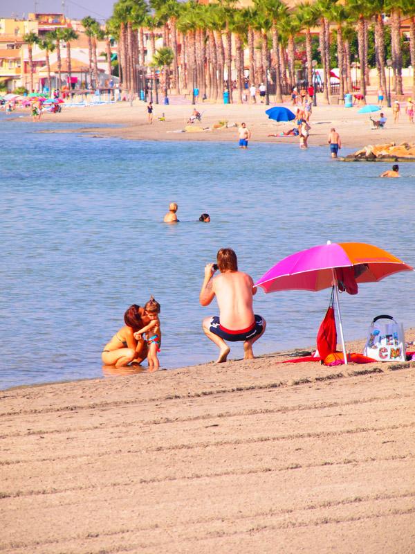 Baño Turco La Serena:la playa frente al hotel tiene la bandera azul y la certificación q